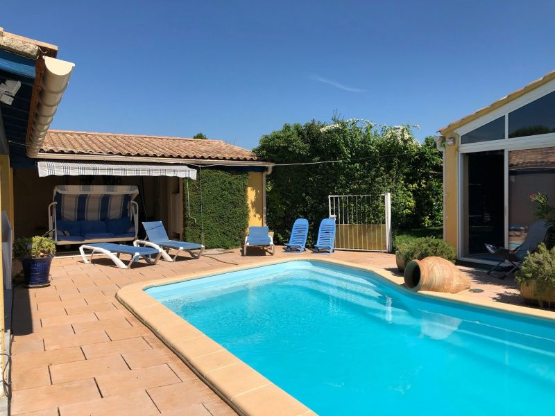 Swimming pool Location House 116976 Isle sur la Sorgue
