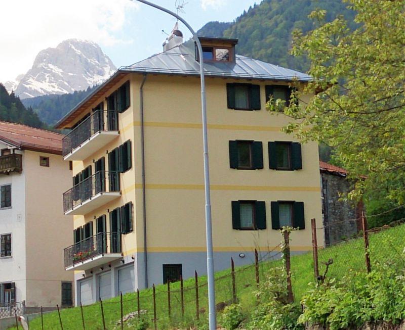 Outside view Location Apartment 85967 Auronzo di Cadore