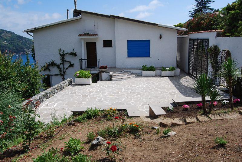 Hall Location Villa 100451 Levanto