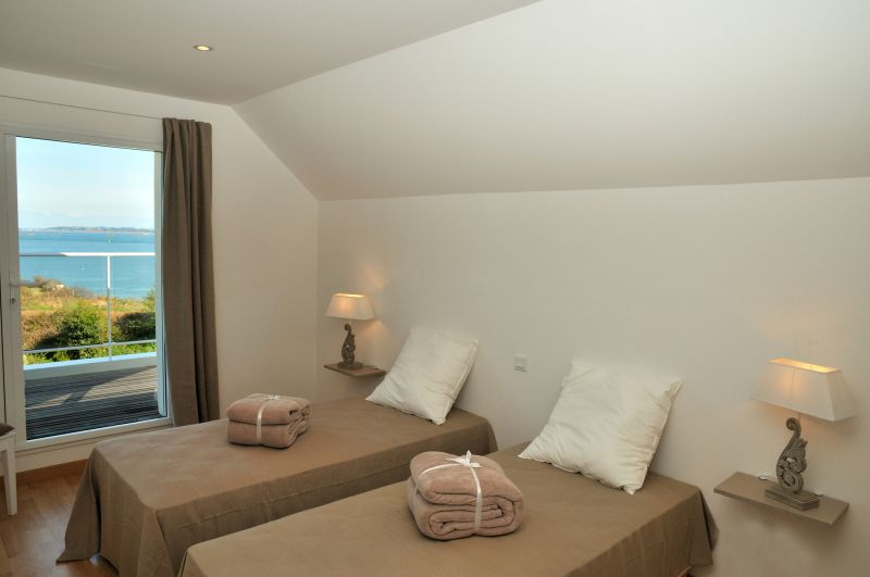 bedroom 3 Location Villa 102643 Roscoff