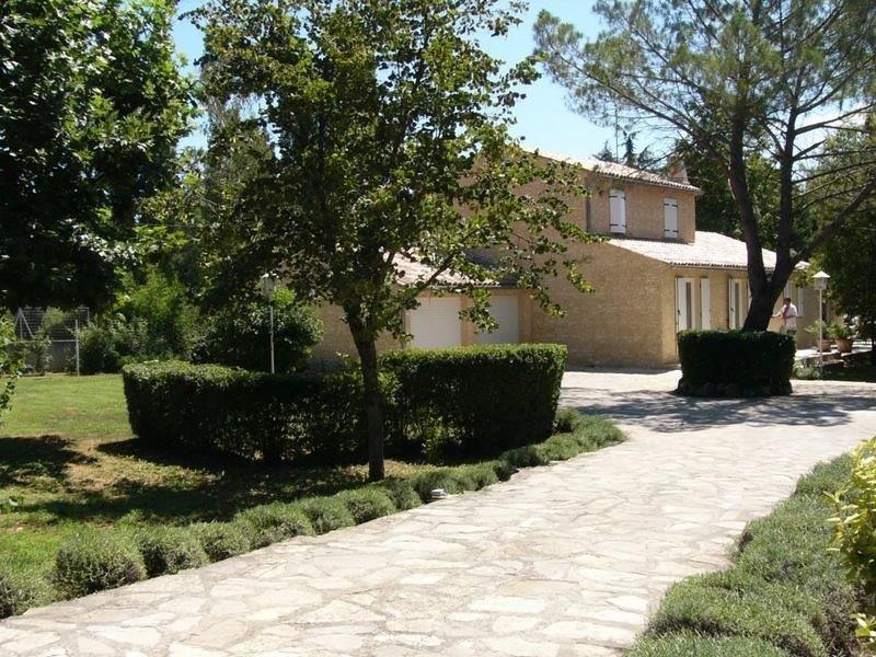 Outside view Location Villa 112385 Saint Maximin la Sainte Baume