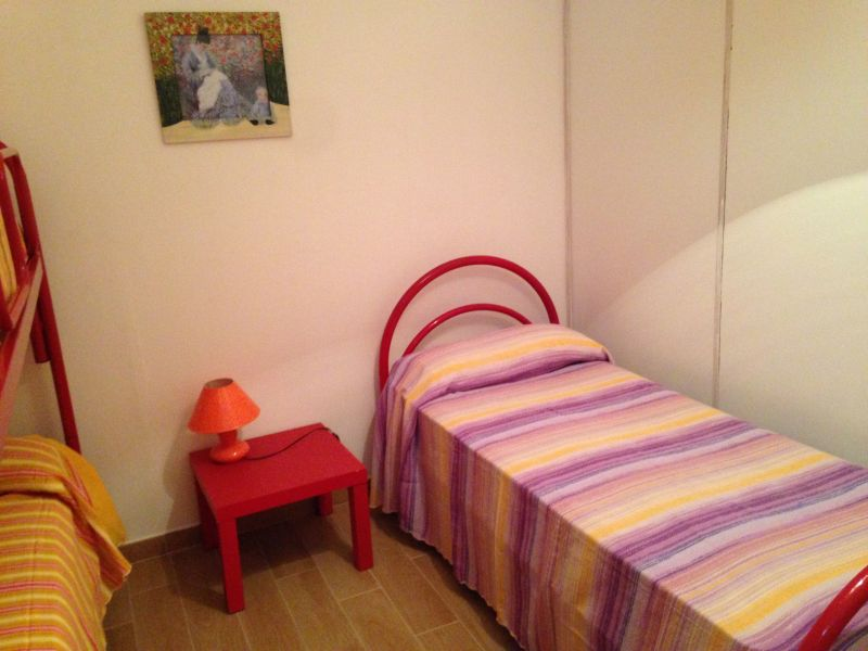 bedroom 2 Location Apartment 83807 Torre Pali