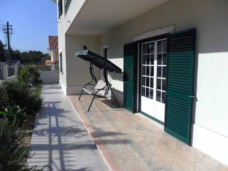 Outside view Location House 85622 Lisbon