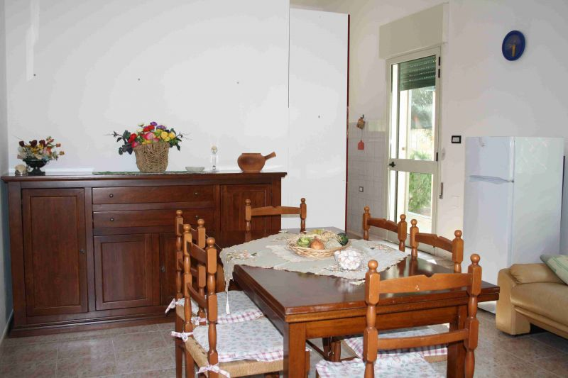 Dining room Location Apartment 88101 Ugento - Torre San Giovanni