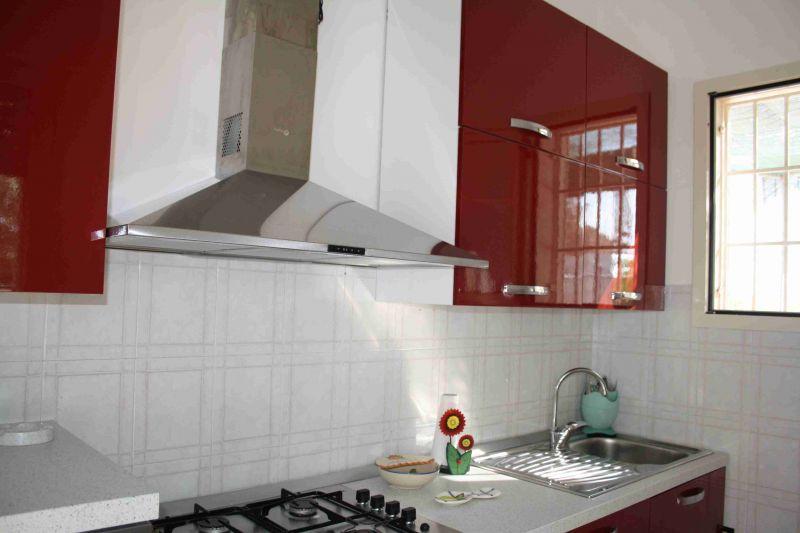 Open-plan kitchen Location Apartment 88101 Ugento - Torre San Giovanni
