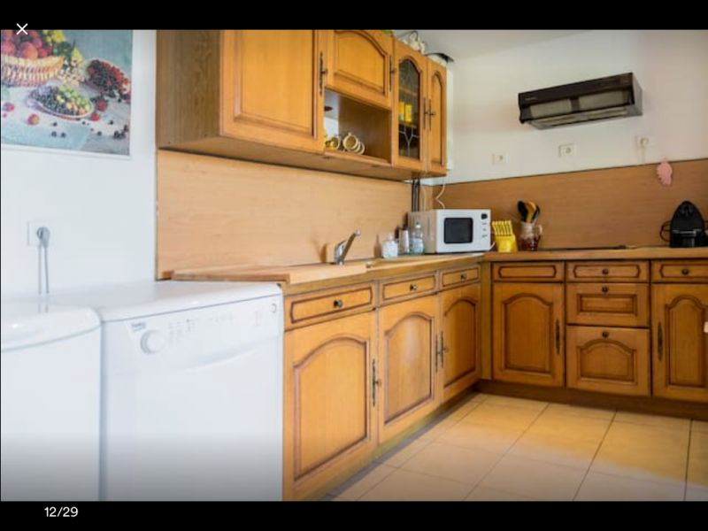 Open-plan kitchen Location Apartment 92726 Propriano