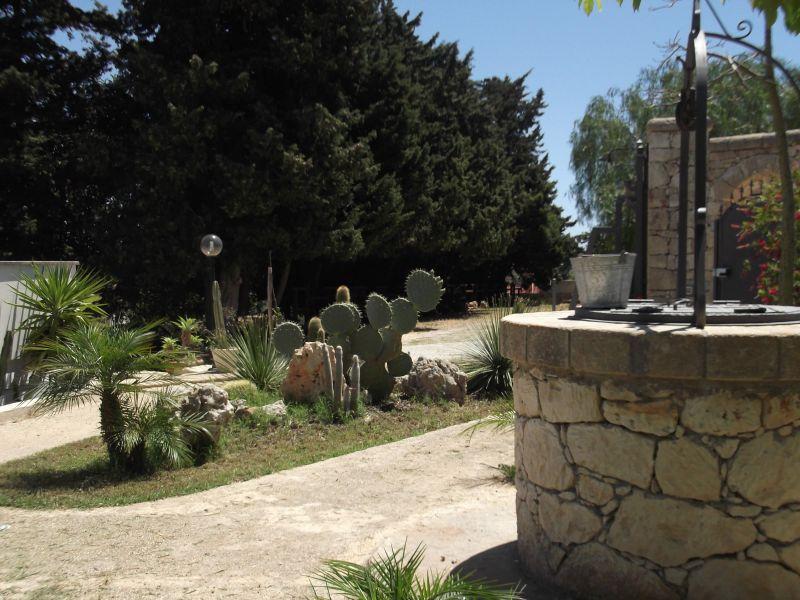Parking Location Villa 94530 Avola
